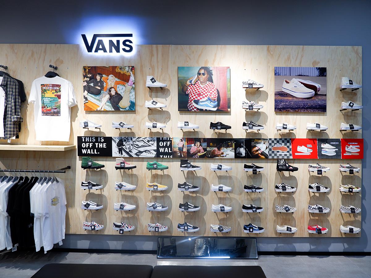 """Khám phá ngay không gian mua sắm """"sang xịn mịn"""" Premium Store của Sneaker Buzz vừa chính thức có mặt tại Hà Nội - Ảnh 5."""