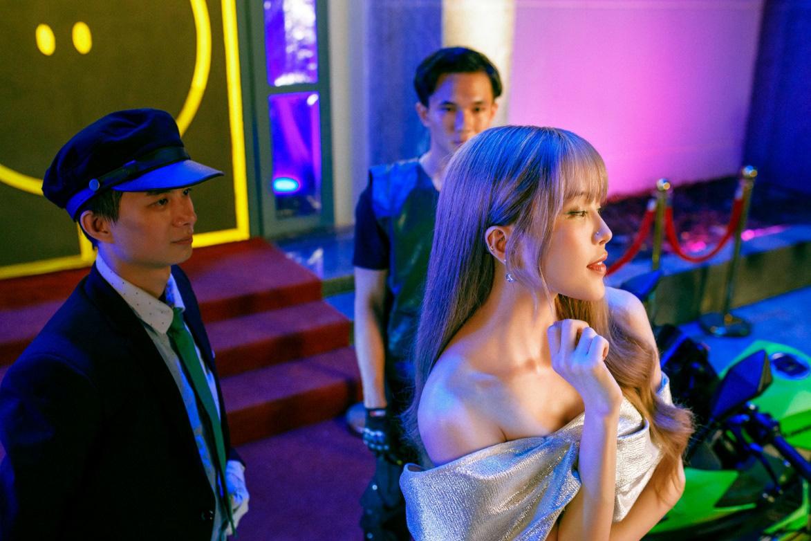 Thiều Bảo Trâm lần đầu song ca cùng Hiền Hồ, chị chị em em khoe visual không kém cạnh nhau trong MV - Ảnh 8.