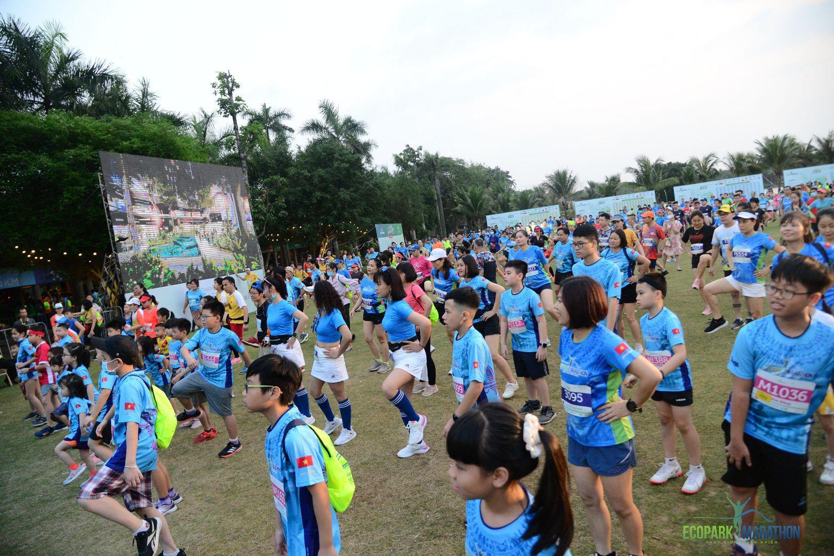 Những chân chạy nhí ở Ecopark Marathon 2021 - Ảnh 1.