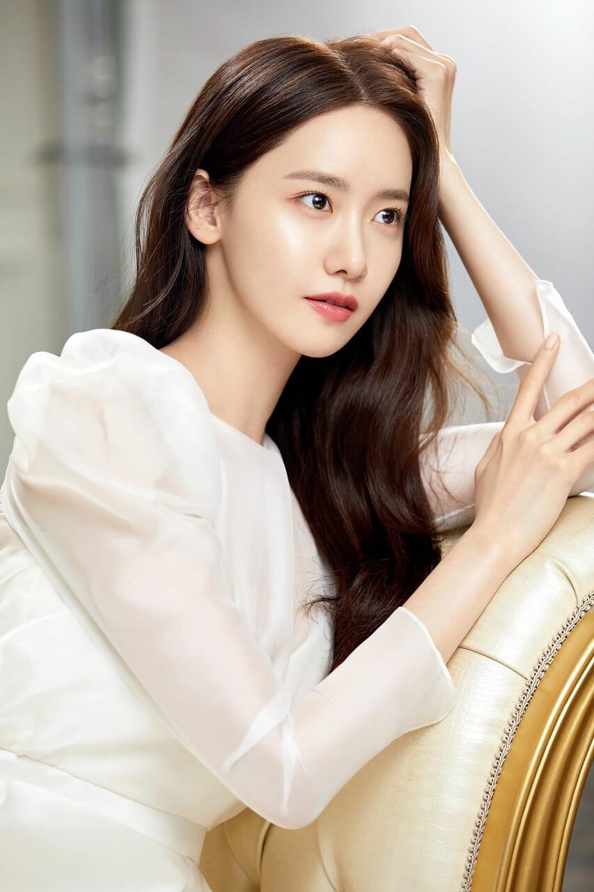 Học bí quyết 4 bước dưỡng da thần thánh của nữ thần xứ Hàn Yoona - Ảnh 1.