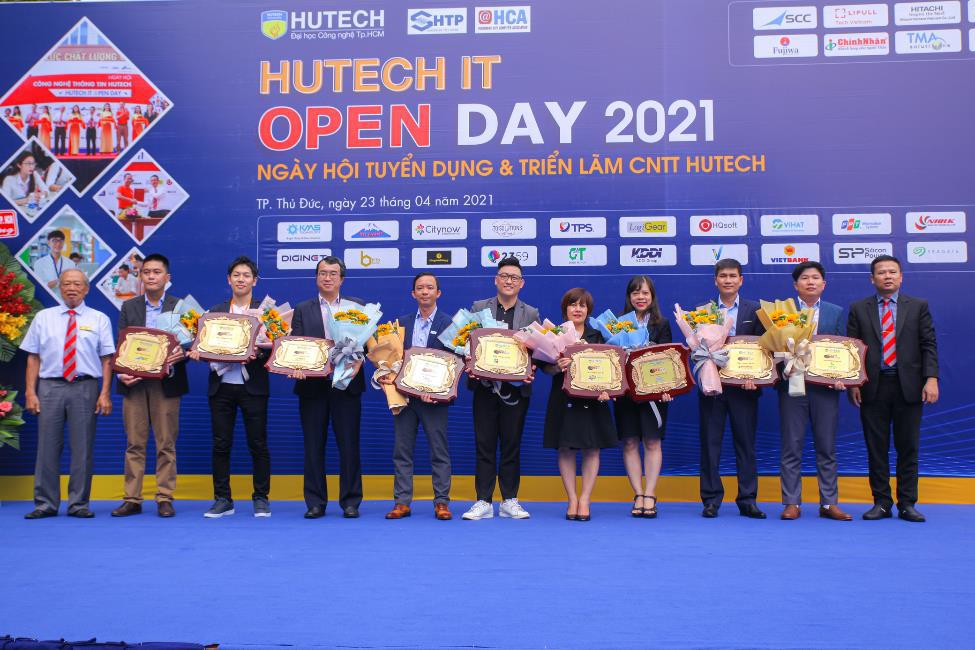 """Muốn biết ngành Công nghệ thông tin """"hot"""" thế nào, hãy nhìn hơn 2000 đầu việc tại HUTECH IT Open Day 2021 - Ảnh 2."""