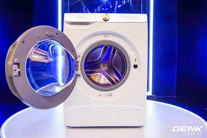 Có gì trong chiếc máy giặt thông minh mới khiến Phạm Quỳnh Anh cho tới vợ chồng đạo diễn Victor Vũ đều mê mẩn? - Ảnh 1.