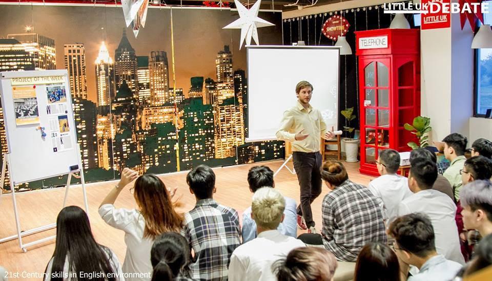 Ở ĐH FPT, sinh viên có đủ loại trải nghiệm: Trở thành diễn viên phim học đường, khán giả buổi hòa nhạc hay nhân vật chính trong buổi thi đấu Vovinam - Ảnh 4.