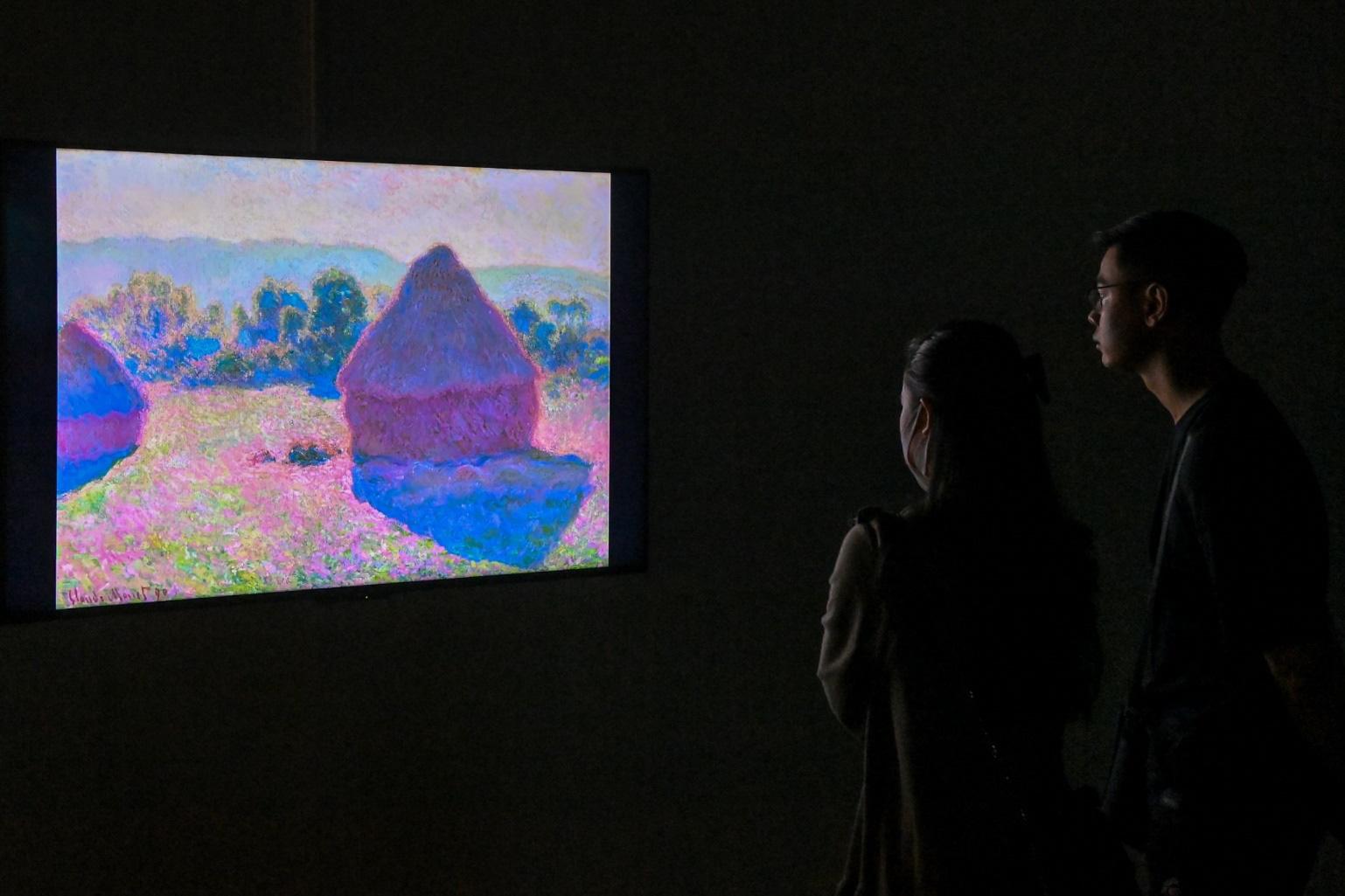"""""""Ngoài"""" và """"trong"""" ở triển lãm của Claude Monet và Pierre Bonnaer tại VCCA - Ảnh 5."""