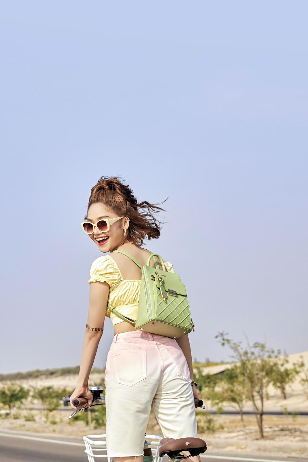 Túi cói đi biển tầm này là tầm thường, túi kem mới là chuẩn xu hướng - Ảnh 2.
