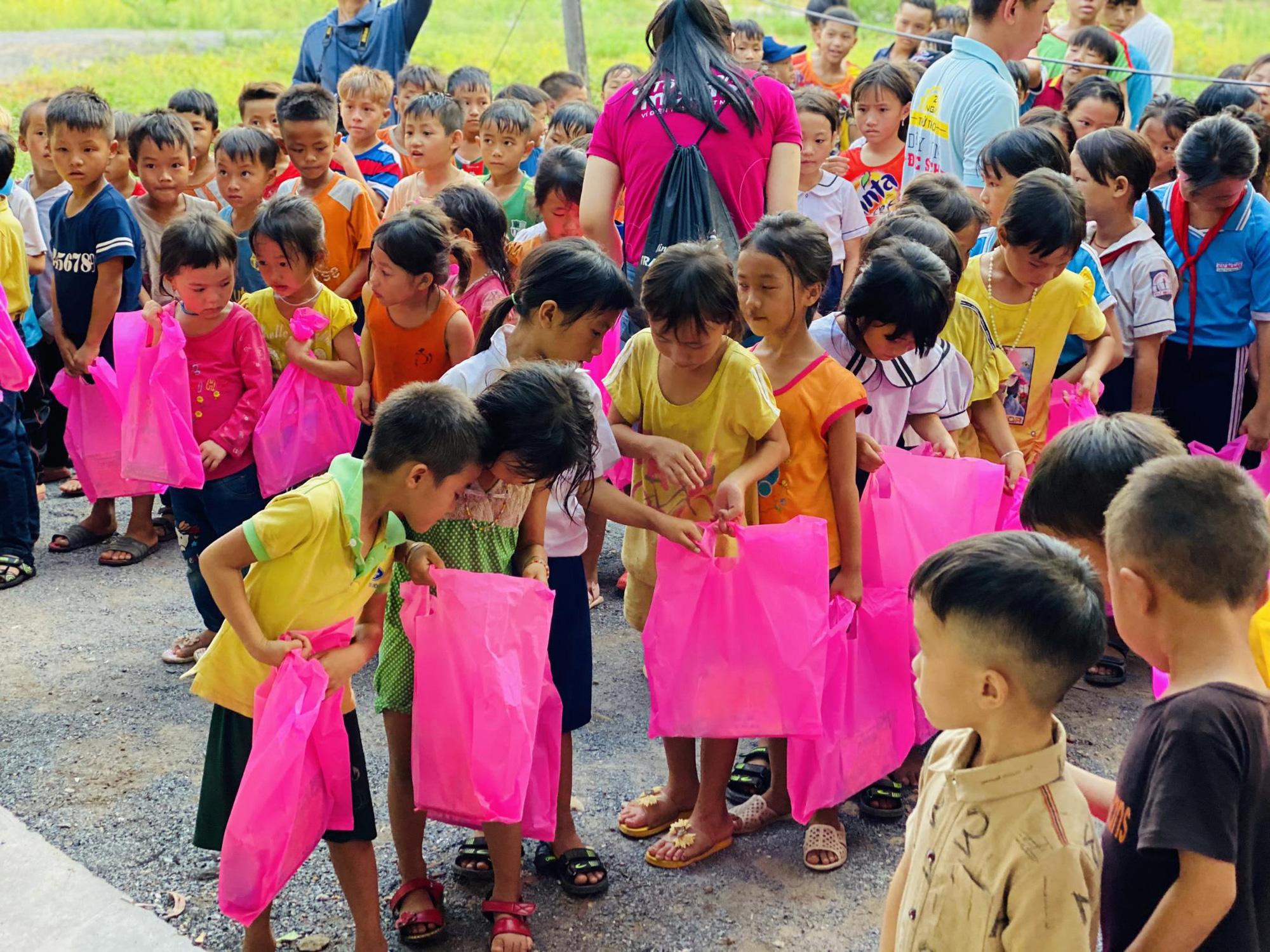 """""""Tiền Heo Vàng"""" của MoMo mang hạnh phúc thật cho trẻ em Việt Nam - Ảnh 4."""