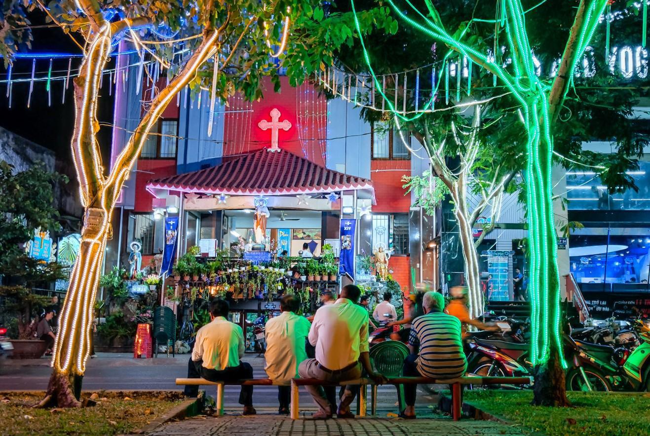 Ngẫu hứng phượt đêm Sài Gòn, hóa ra thành phố này có nhiều góc đậm chất Cinematic đến vậy! - Ảnh 3.