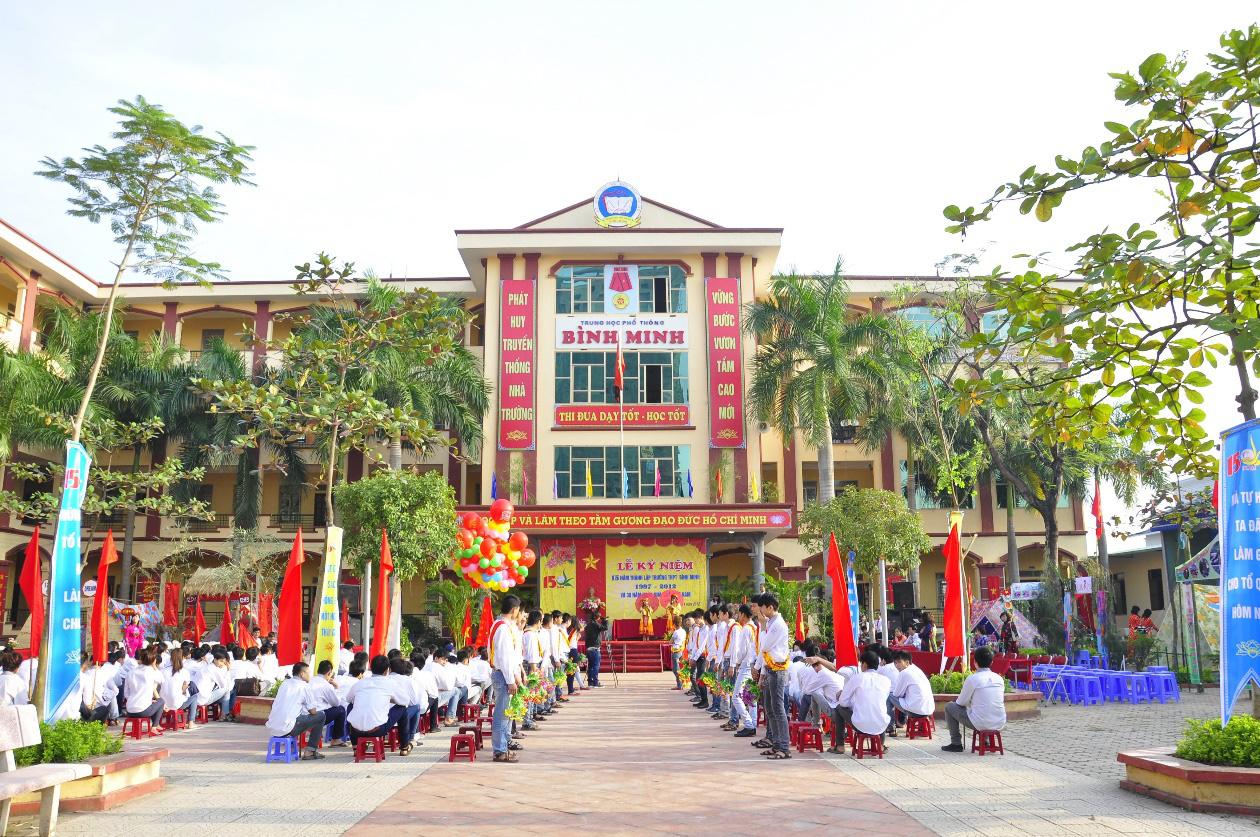 Lớp 10 khởi nghiệp kinh doanh thu hút giới trẻ Hà Nội - Ảnh 1.