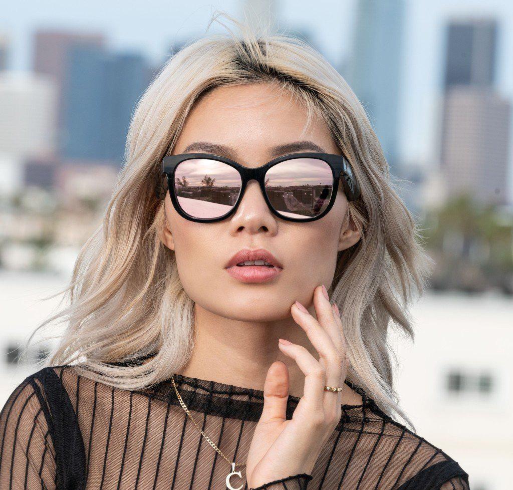 Bose Frames - kính mát nghe nhạc thể thao và thời trang - Ảnh 1.