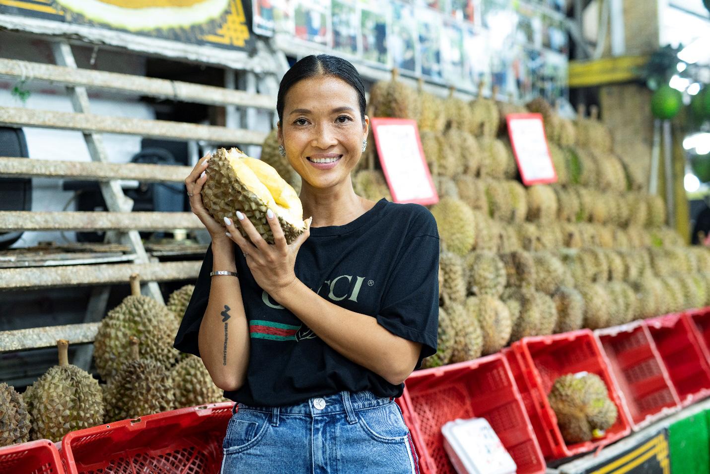 """Siêu mẫu Bằng Lăng """"phải lòng"""" văn hóa ẩm thực độc đáo của Singapore - Ảnh 3."""
