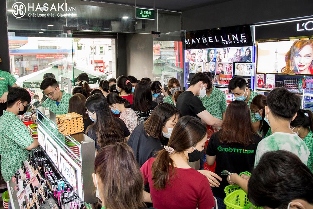 Tháng 4, Hasaki vừa khai trương chi nhánh 18, lại tiếp tục mở thêm 2 cửa hàng mới tại TP.HCM và Hà Nội - Ảnh 2.