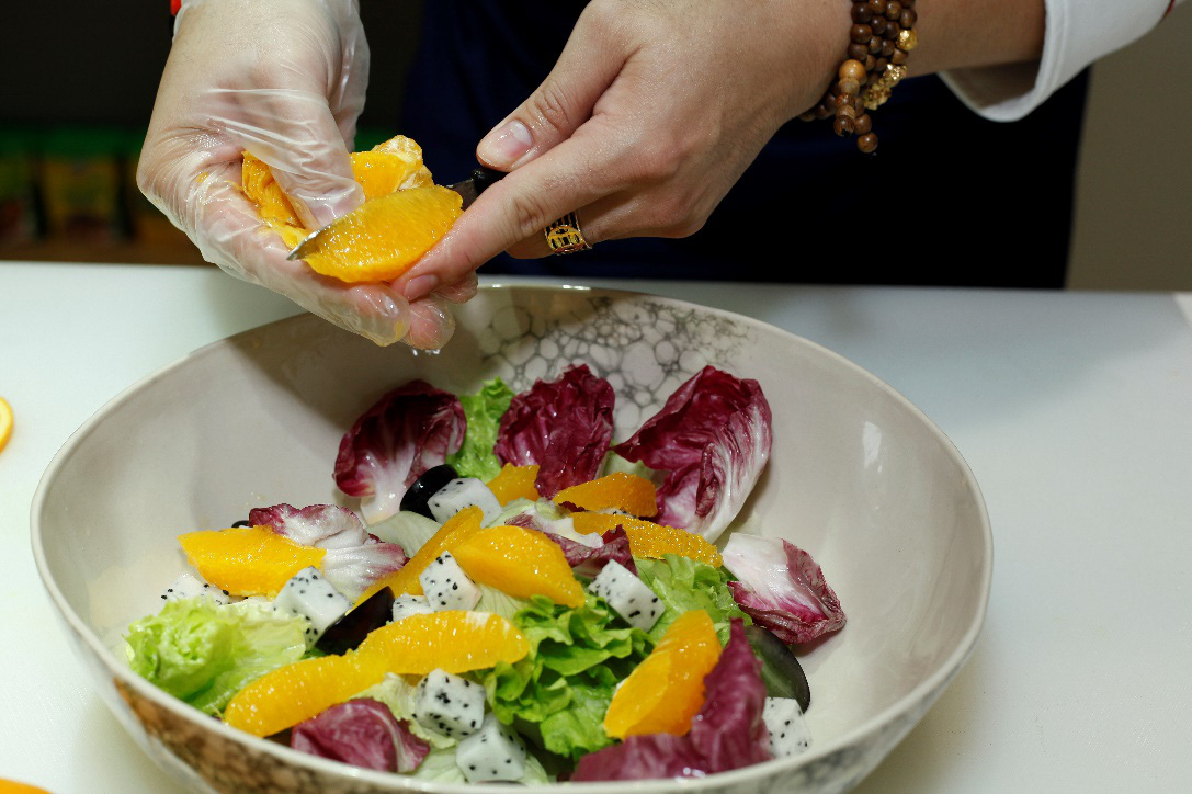Ai bảo cam chỉ để ăn, ép nước, đầu bếp nổi tiếng vừa tiết lộ loạt bí kíp siêu hay cho nhà bếp đây này! - Ảnh 4.
