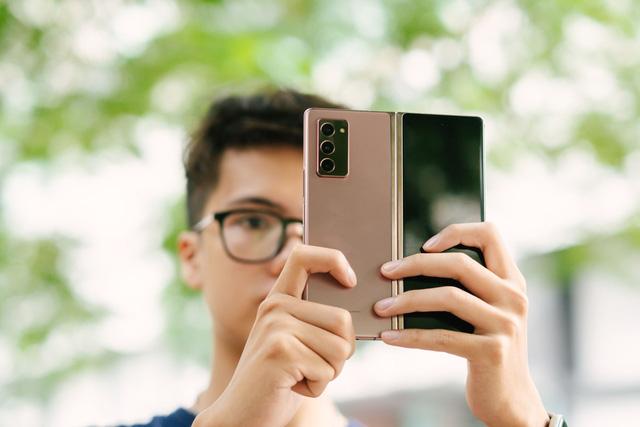 Công nghệ đặc biệt đem đến thiết kế hấp dẫn cho Galaxy Z Fold2 - Ảnh 1.