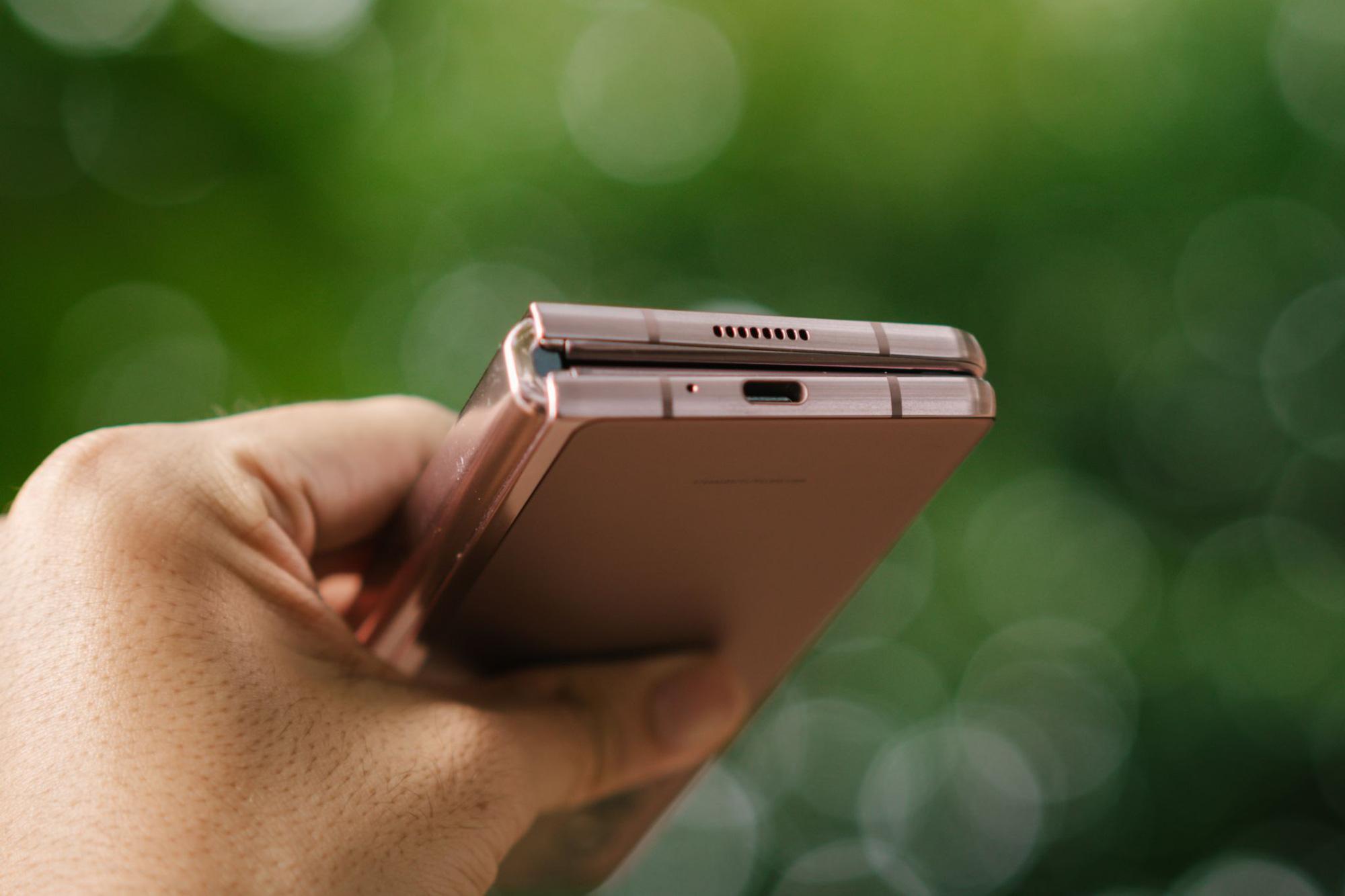 Công nghệ đặc biệt đem đến thiết kế hấp dẫn cho Galaxy Z Fold2 - Ảnh 3.