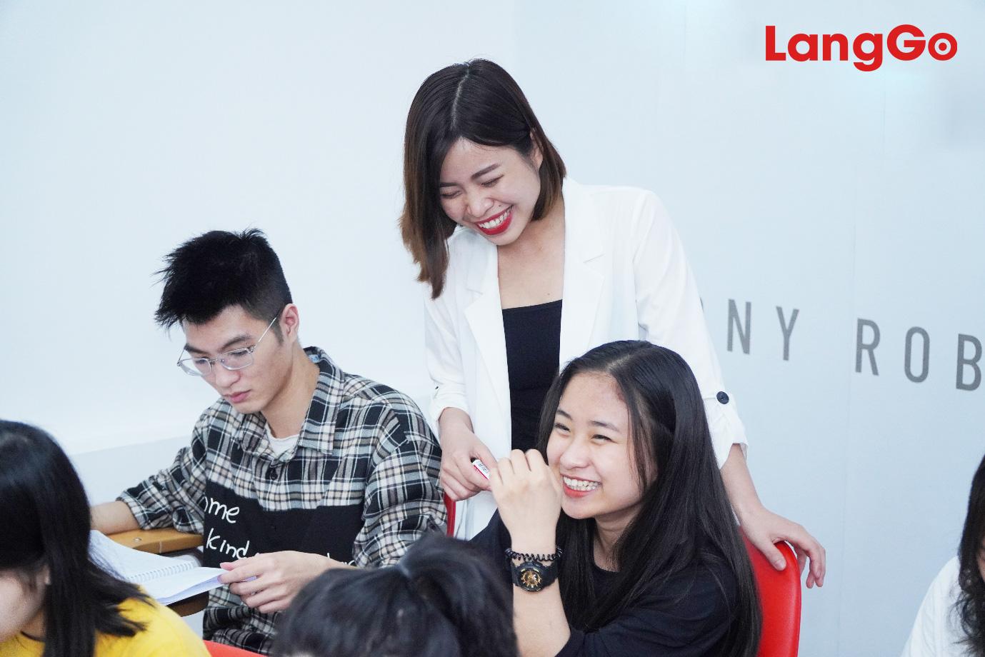 Lồng ghép 2 trong 1 tại luyện thi IELTS LangGo: Phương pháp mới đào tạo ngoại ngữ hiệu quả - Ảnh 1.