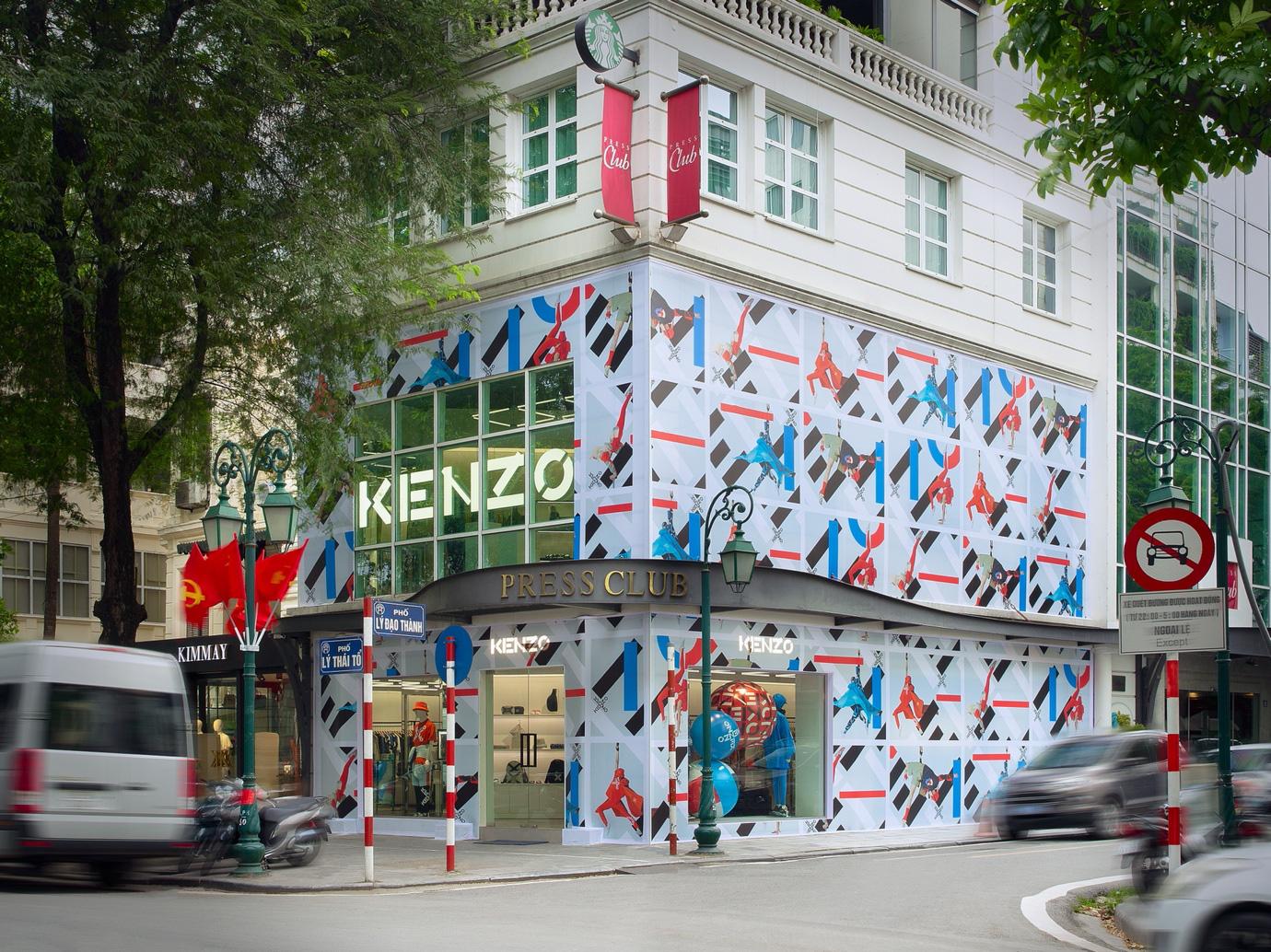 Cửa hàng KENZO Hà Nội lột xác rực rỡ, đón chào BST thể thao được mong đợi nhất năm 2021 - Ảnh 4.