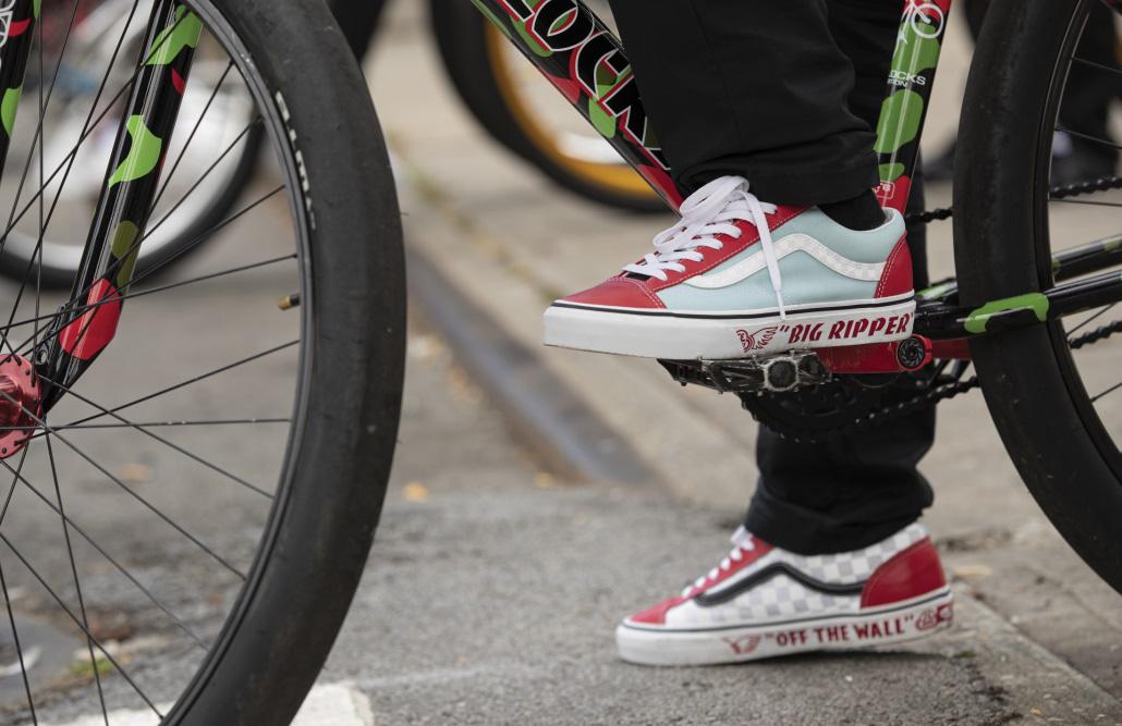 Vans tôn vinh văn hóa BMX với bộ sưu tập Se Bikes cực thời trang - Ảnh 2.