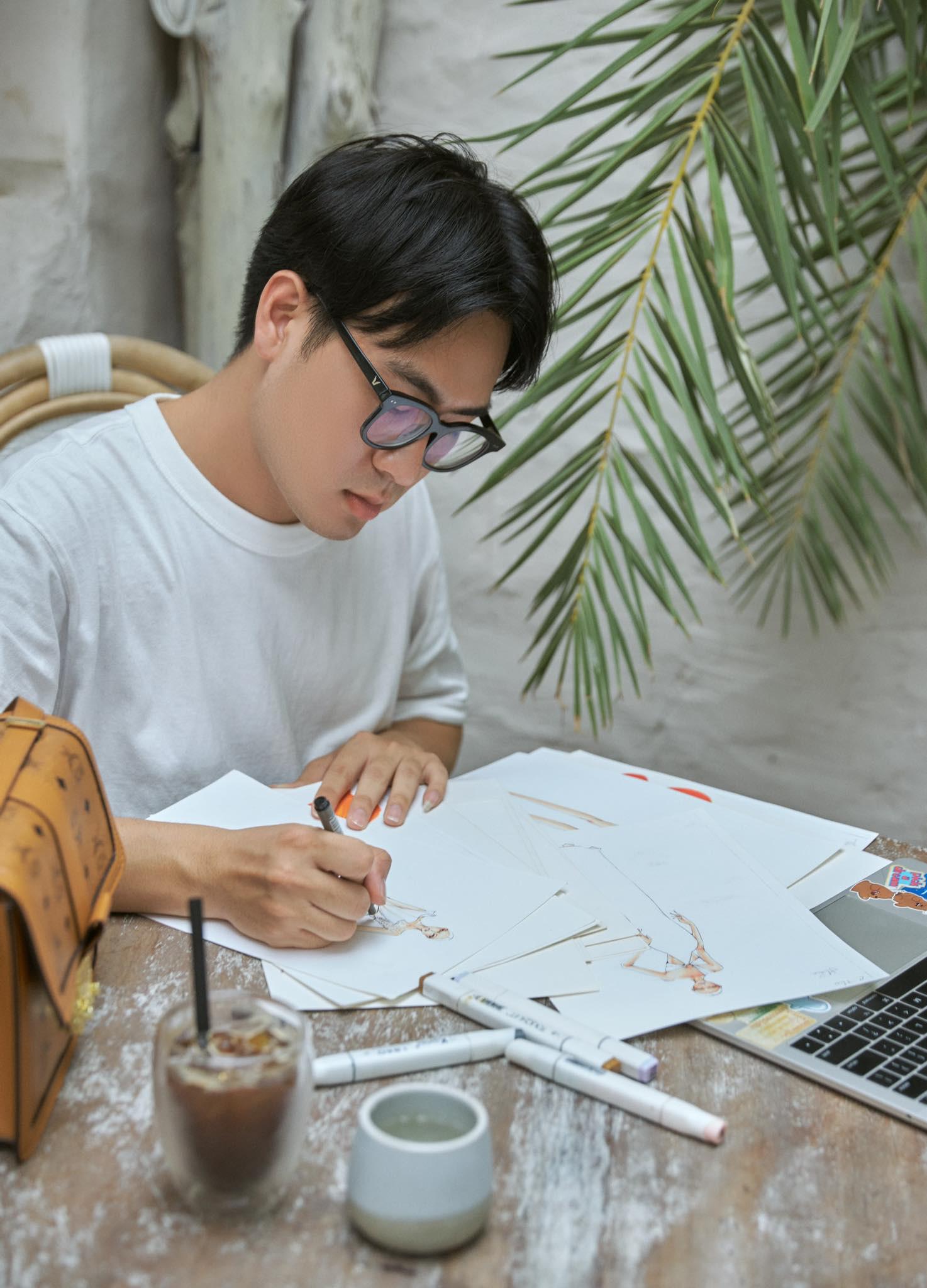 Thượng Gia Kỳ - chuyên gia tạo mẫu tóc thiết kế đồ dự thi Miss Universe cho Hoa hậu Khánh Vân - Ảnh 7.