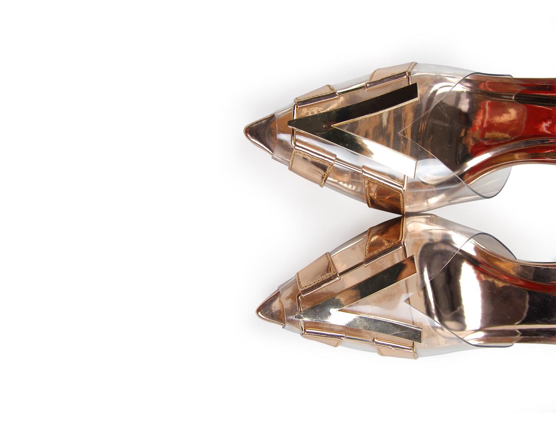 Ý nghĩa đằng sau 3 mẫu giày được thiết kế riêng cho Khánh Vân tại Miss Universe 2020 - Ảnh 5.
