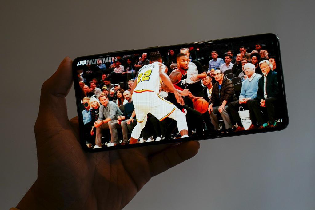 Với những công nghệ này, Galaxy A Series năm nay sẽ là smartphone ở mức giá tầm trung có lực chiến cao nhất hiện tại - Ảnh 4.
