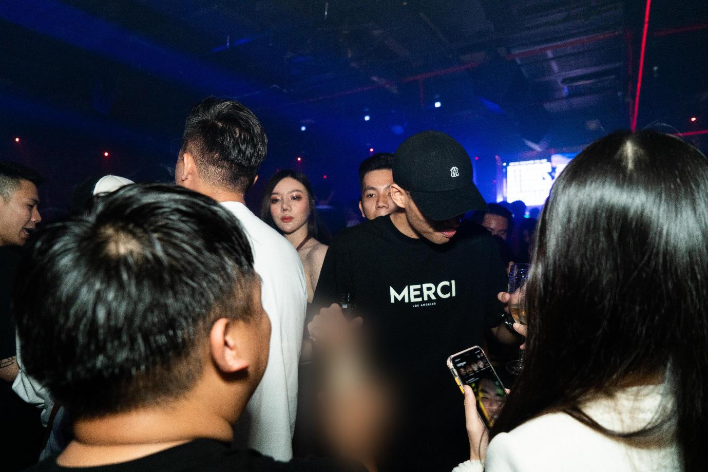 Party nửa tỷ của brand thời trang mới tại Việt Nam - Ảnh 1.