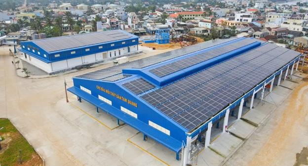 Điện mặt trời áp mái và tầm nhìn phát triển bền vững của Tập đoàn Sơn Hà - Ảnh 1.