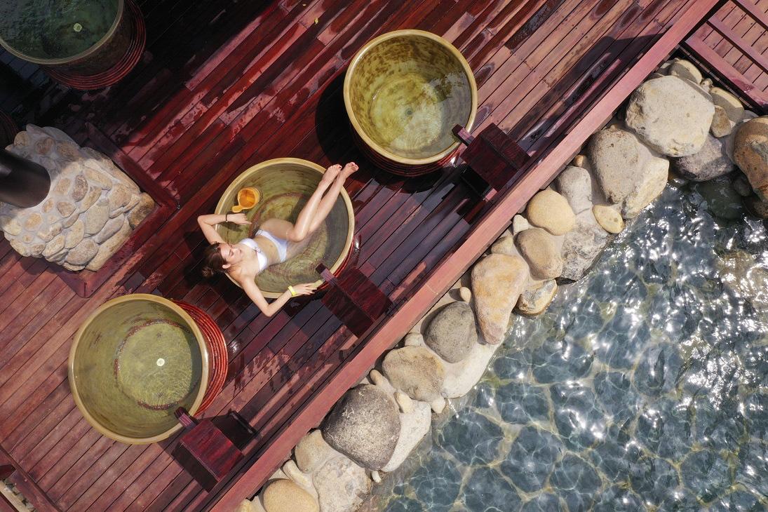 Hệ sinh thái onsen: Khi sức khỏe trở thành biểu tượng mới của sự xa xỉ - Ảnh 1.