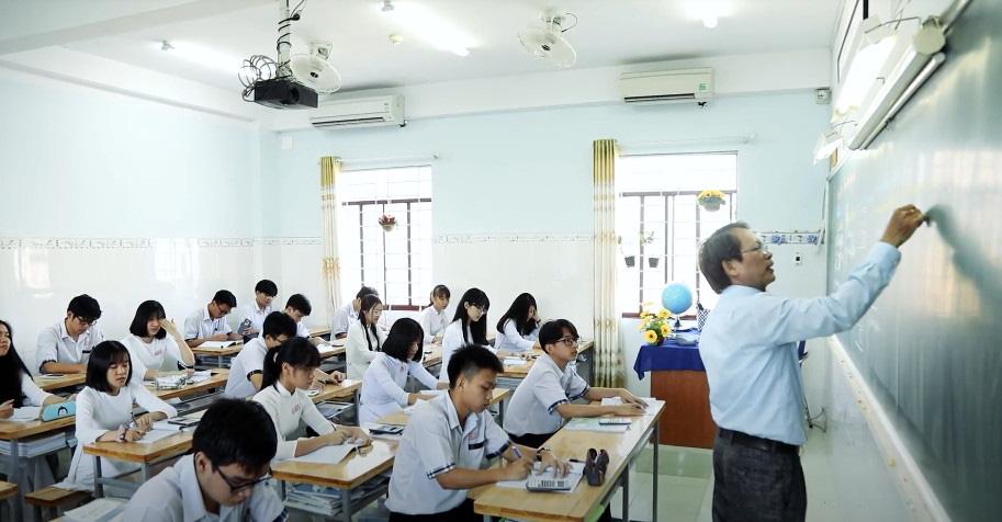 """Học sinh lớp 12 bắt đầu """"tăng tốc"""" trước kỳ thi tốt nghiệp THPT - Ảnh 3."""