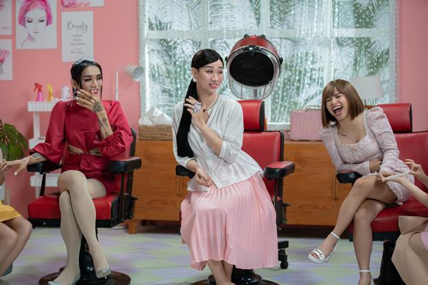 Hậu trường MV Chịu thì chịu không chịu thì chịu: BB Trần, Hải Triều, Ngọc Phước vẫn siêu nhắng nhít xứng danh cây hài - Ảnh 1.