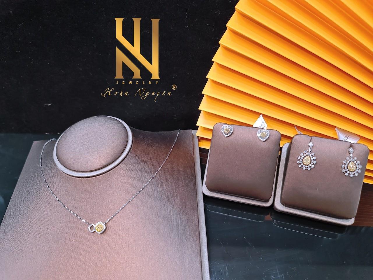 Hoàn Nguyên Jewelry - Khẳng định phong cách cùng trang sức cao cấp - Ảnh 1.