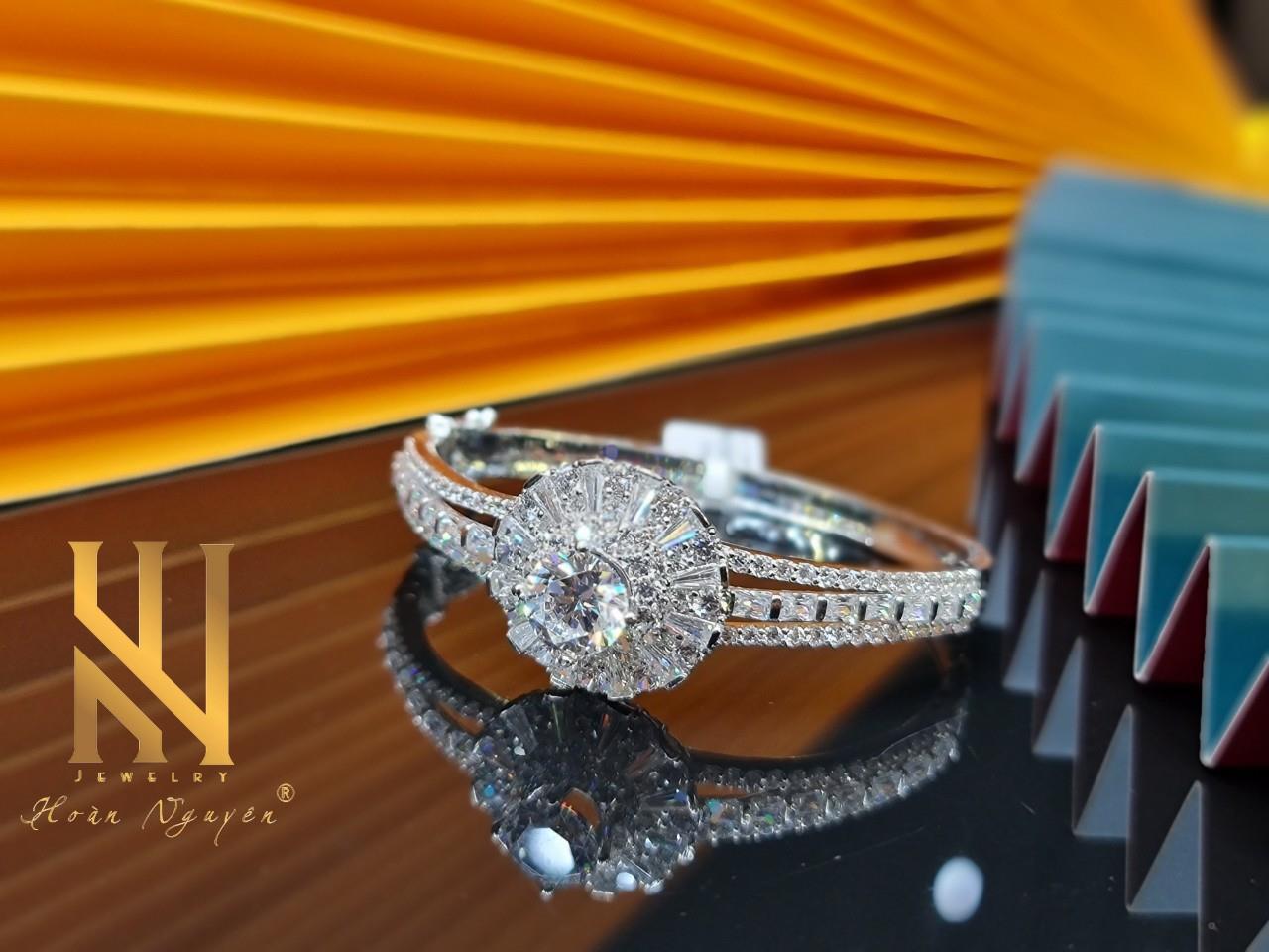 Hoàn Nguyên Jewelry - Khẳng định phong cách cùng trang sức cao cấp - Ảnh 4.