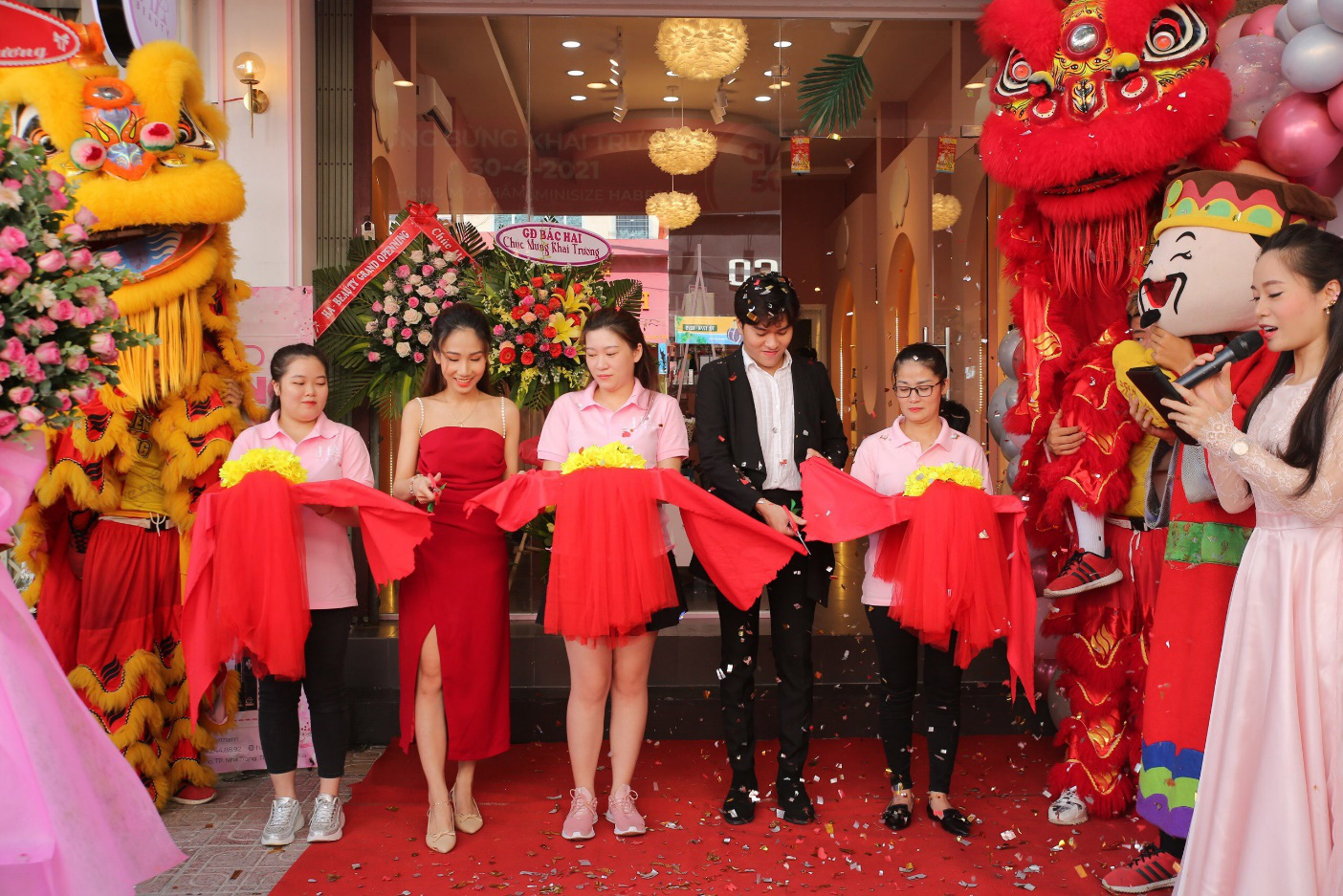 Chuỗi cửa hàng mỹ phẩm mini size HA Beauty khai trương đồng loạt tại Nha Trang và Cao Lãnh - Ảnh 1.