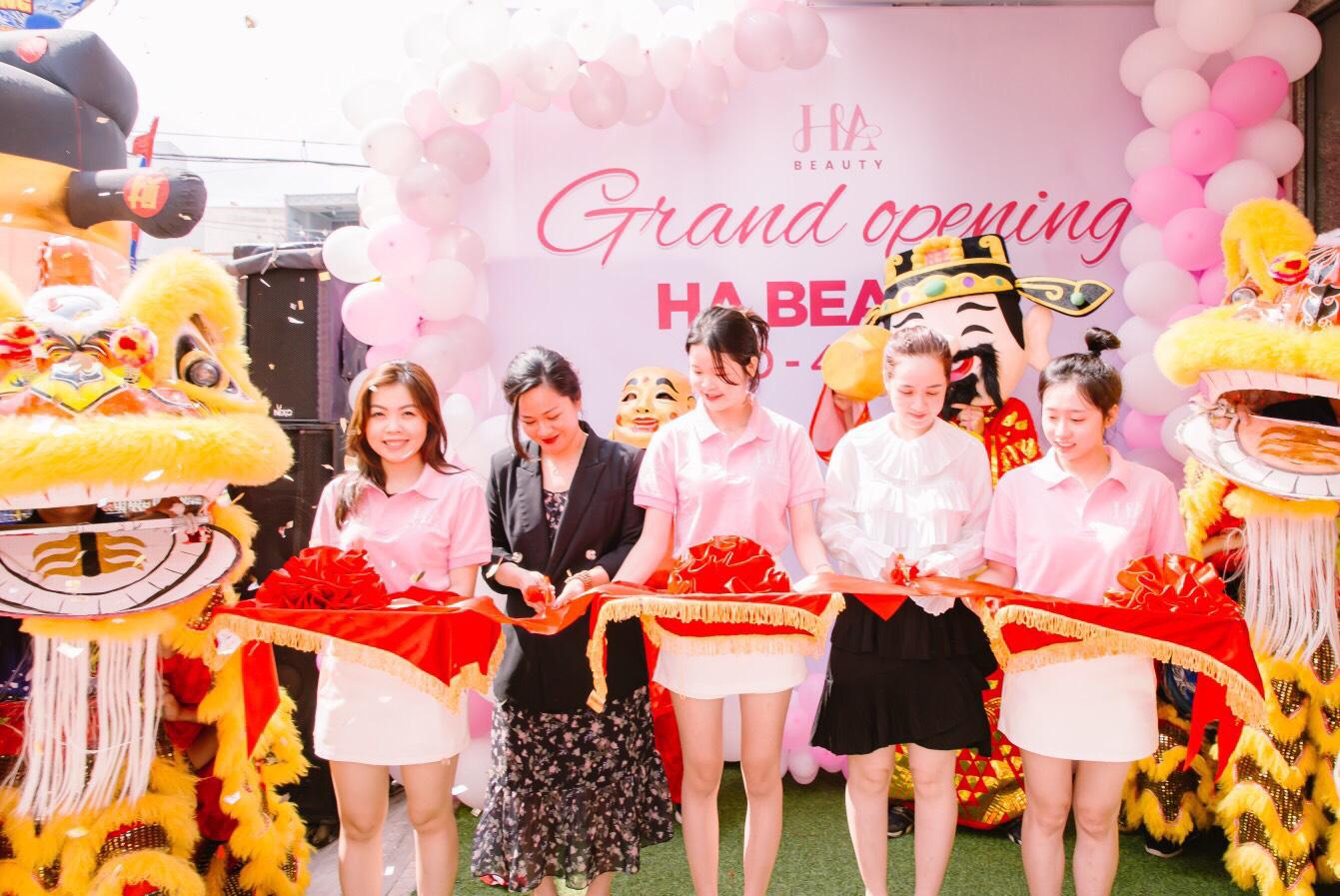 Chuỗi cửa hàng mỹ phẩm mini size HA Beauty khai trương đồng loạt tại Nha Trang và Cao Lãnh - Ảnh 2.