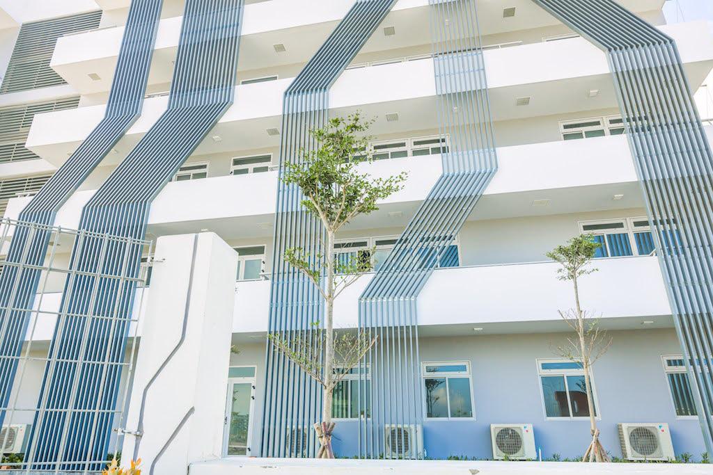 Quy Nhơn không chỉ có biển xanh, cát trắng, nắng vàng mà còn có campus thích mê cho sinh viên học AI - Ảnh 2.