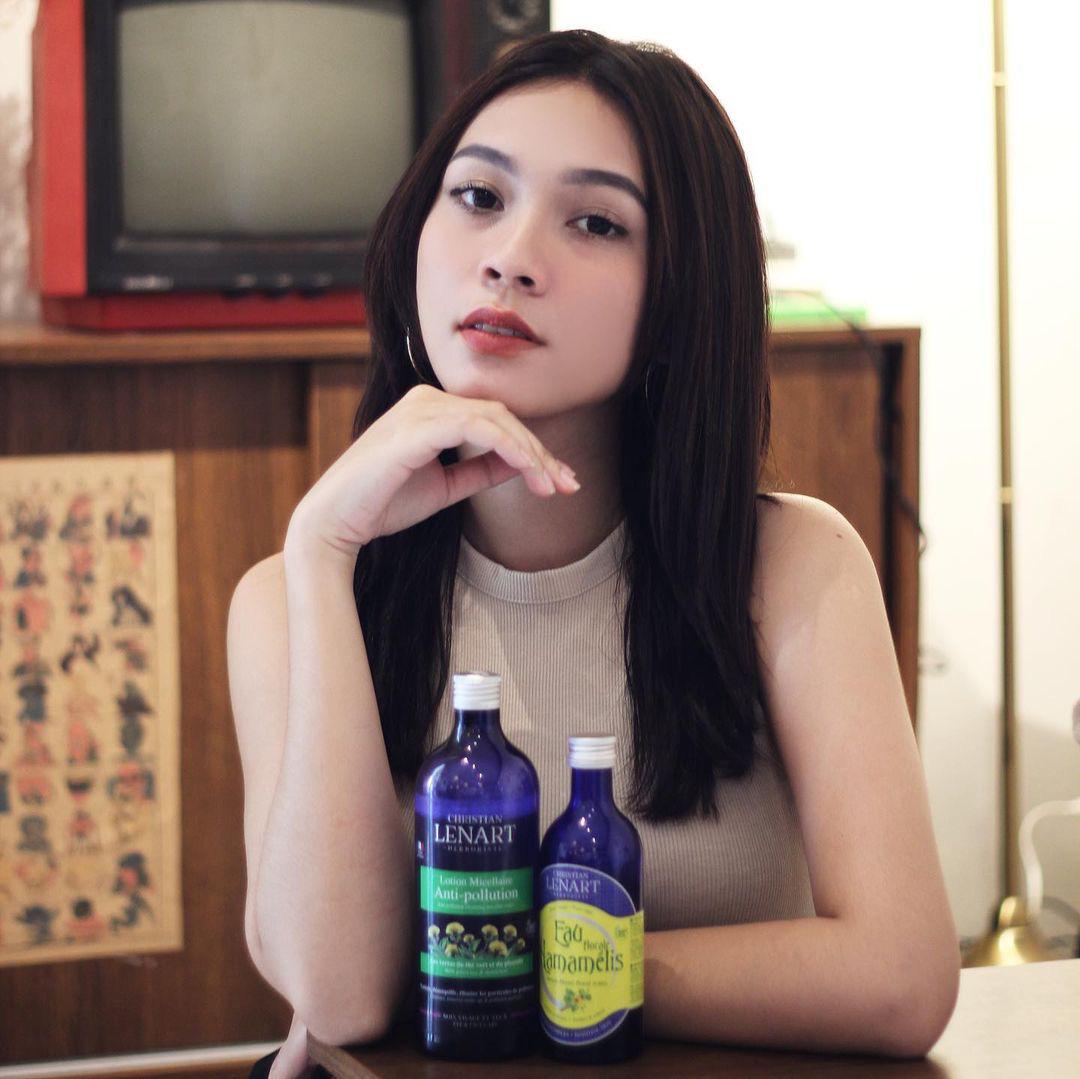 KOL Việt dùng mỹ phẩm gì: Kendall Nguyễn khoe tẩy trang thần thánh, rich kid Thảo Trinh Nguyễn mách nước loại toner làm dịu da - Ảnh 6.