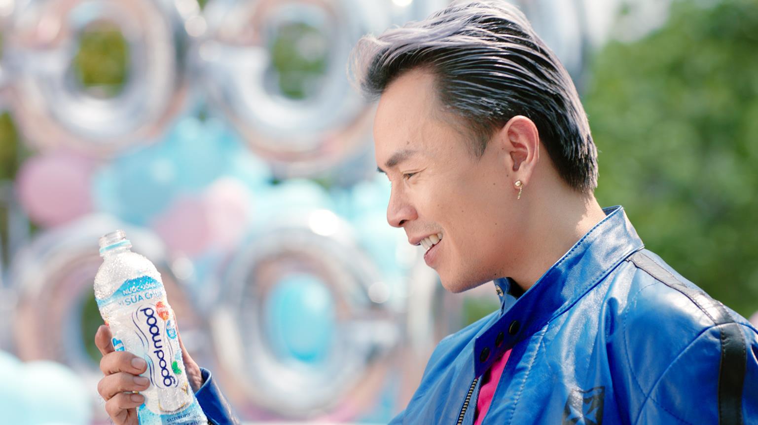 Ờ mây zing chưa, thánh tạo trend Binz nay lại tung thêm vũ điệu cực mood trong MV mới - Ảnh 1.