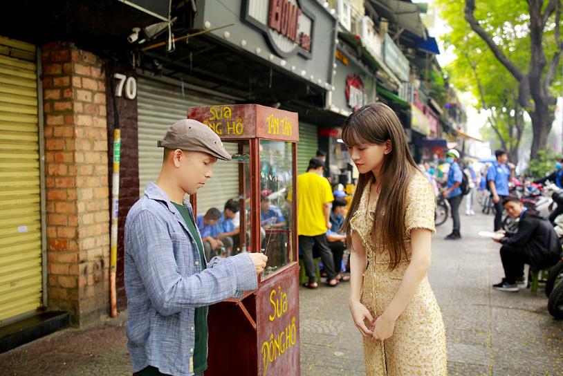 Đầu tư MV đậm chất điện ảnh, Minh Tâm Bùi gây thương nhớ với bản hòa tấu saxophone Hoa nở không màu - Ảnh 2.
