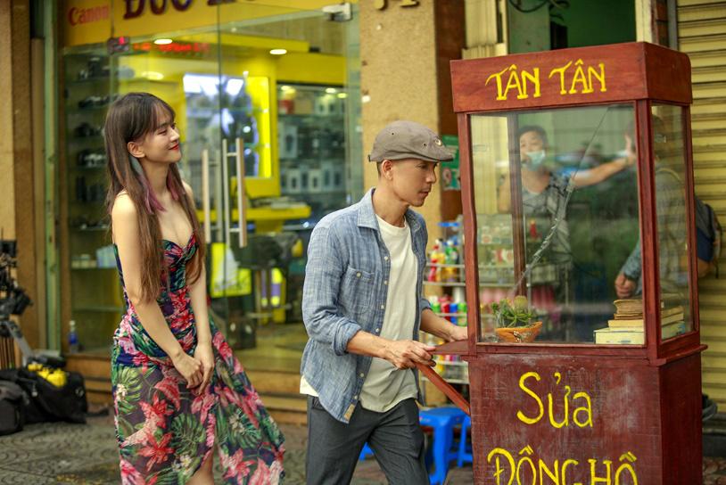 Đầu tư MV đậm chất điện ảnh, Minh Tâm Bùi gây thương nhớ với bản hòa tấu saxophone Hoa nở không màu - Ảnh 3.