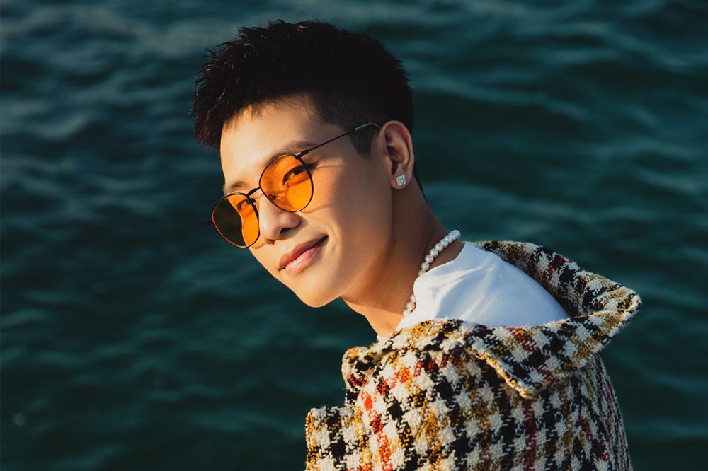 """""""Hot boy làng nhạc"""" Quân A.P bắt tay siêu phẩm Tân Minh Chủ, lần đầu thử sức với vai trò Gương mặt Truyền thông - Ảnh 4."""