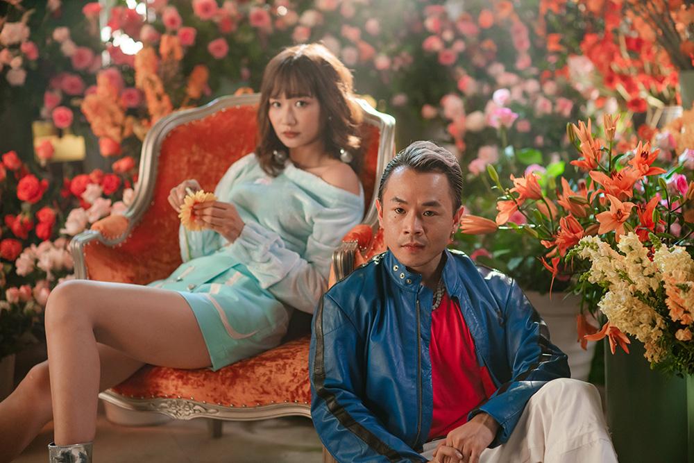 Ờ mây zing chưa, thánh tạo trend Binz nay lại tung thêm vũ điệu cực mood trong MV mới - Ảnh 4.