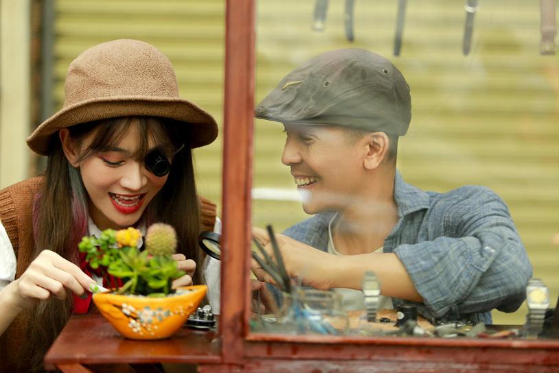 Đầu tư MV đậm chất điện ảnh, Minh Tâm Bùi gây thương nhớ với bản hòa tấu saxophone Hoa nở không màu - Ảnh 4.