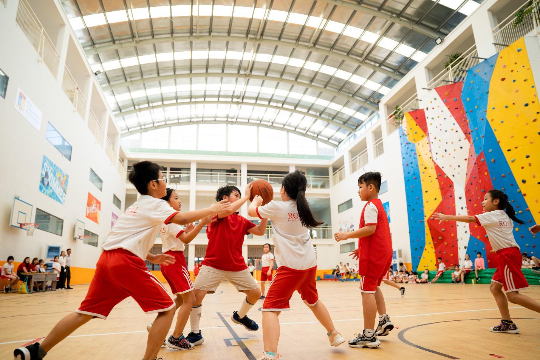 """Bồi đắp một thế hệ trẻ khoẻ thể chất và """"fair play"""" từ các sân chơi thể thao học đường - Ảnh 3."""