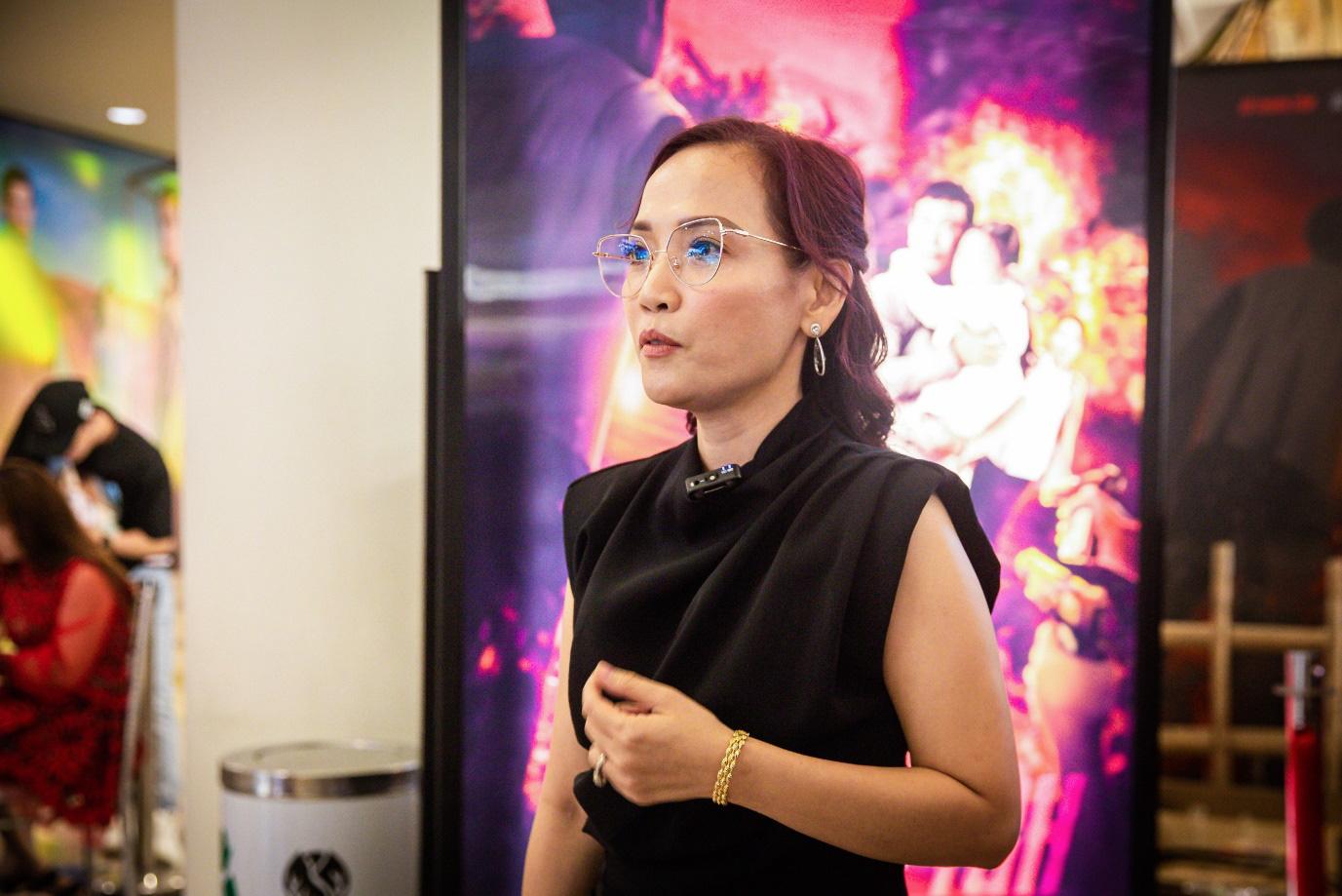"""Lý Hải: """"Lật mặt lần đầu tiên áp dụng poster tranh 3D tại Việt Nam"""" - Ảnh 2."""