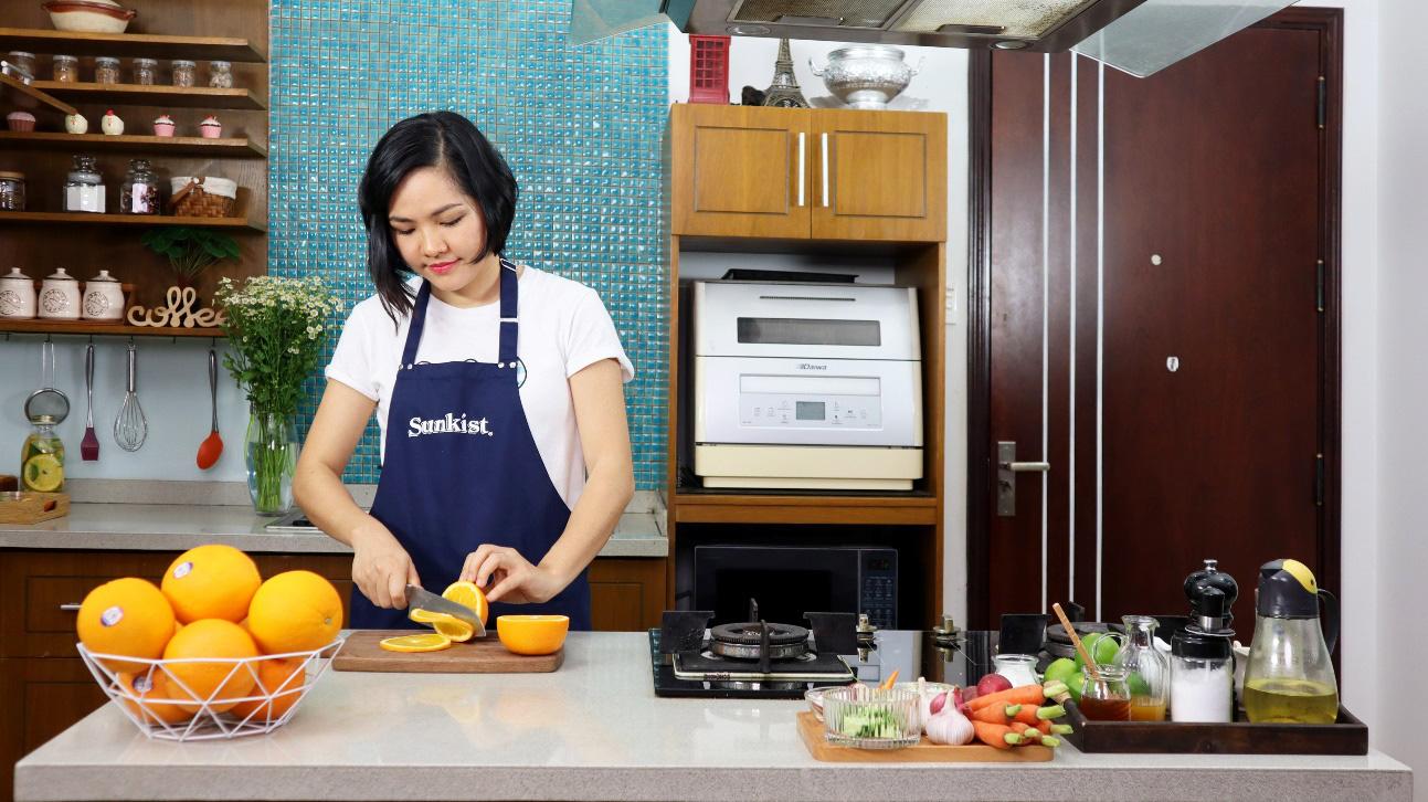 """Food blogger Việt """"rần rần"""" tham gia thử thách trổ tài nấu nướng với cam tươi từ California, xem để học được khối công thức hay! - Ảnh 2."""