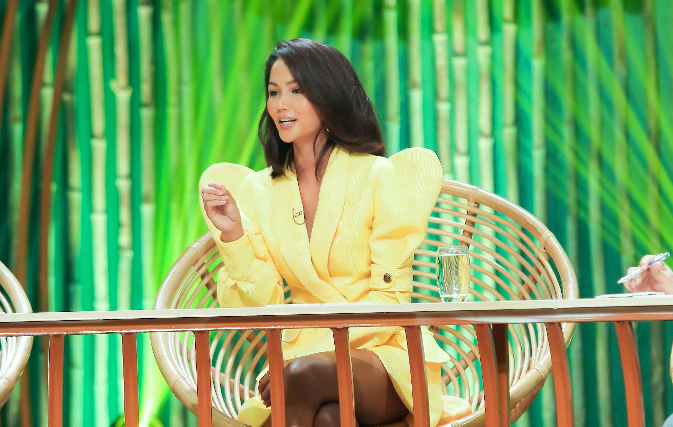 Hoa hậu HHen Niê tiết lộ từng bị giáo viên tâm lý đánh giá là người không có tham vọng, lý do lại liên quan đến cuộc thi Miss Universe 2018 - Ảnh 5.