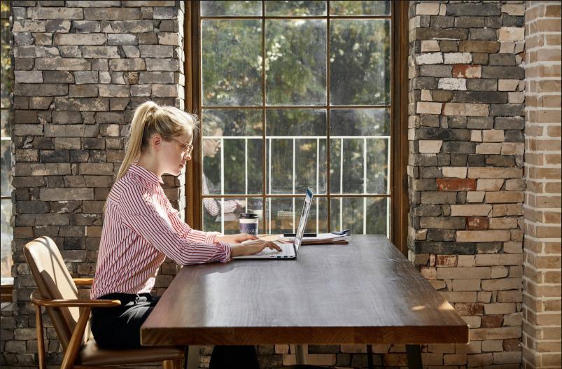 Những tín đồ công nghệ yêu cầu gì ở một không gian làm việc tại gia hoàn hảo? - Ảnh 1.