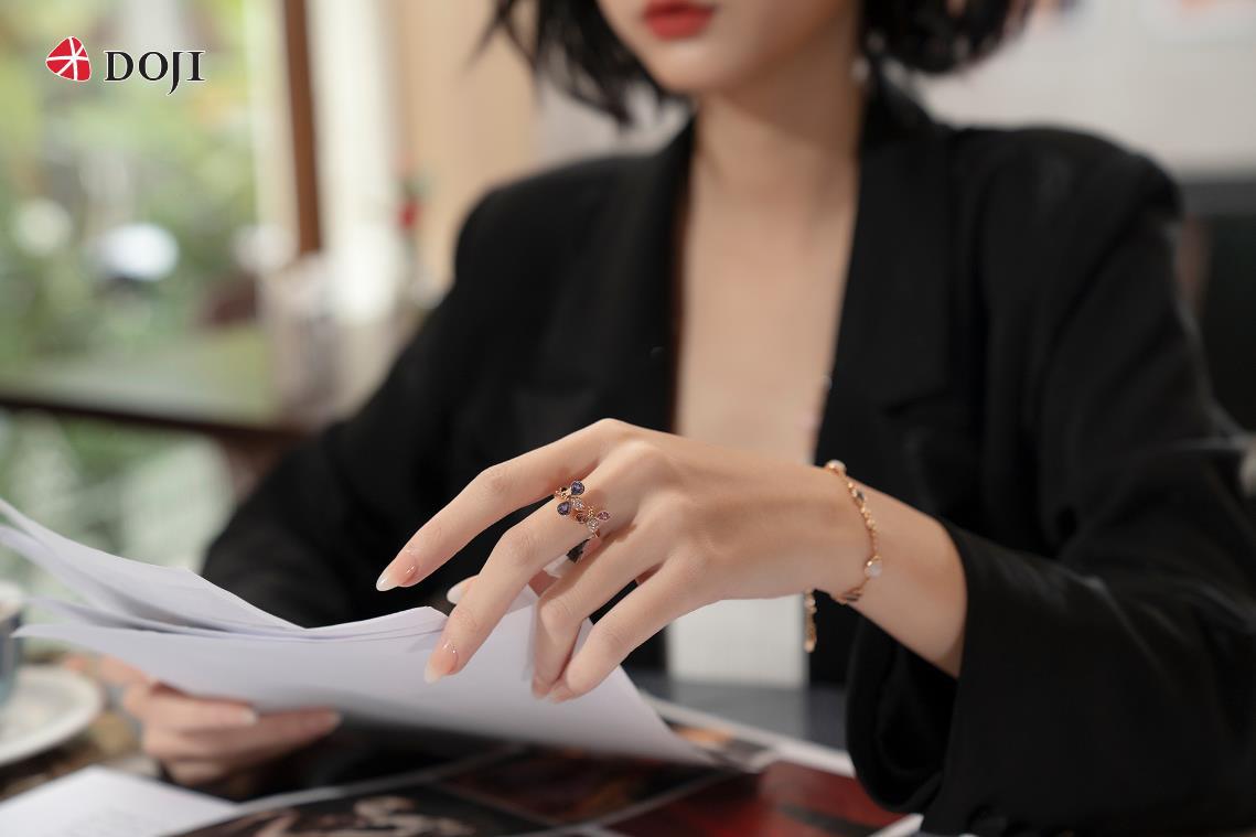 Cận cảnh những mẫu trang sức kim cương cao cấp của DOJI làm say lòng phái đẹp - Ảnh 4.