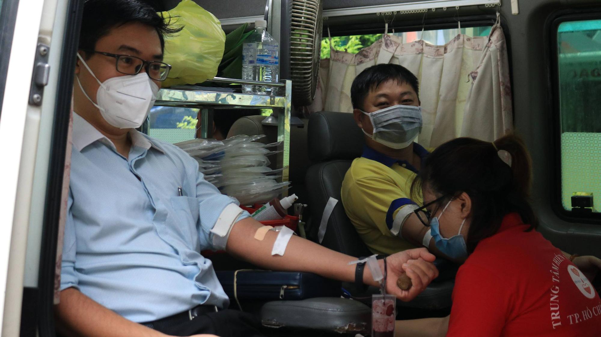 PNJ tổ chức hiến máu nhân đạo, bổ sung nguồn máu dự trữ đang cạn kiệt của TP.HCM - Ảnh 4.
