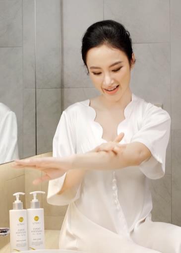Comeback sau thời gian dài ở ẩn, Angela Phương Trinh ghi điểm với làn da trắng nõn chuẩn thần tiên tỷ tỷ - ảnh 3