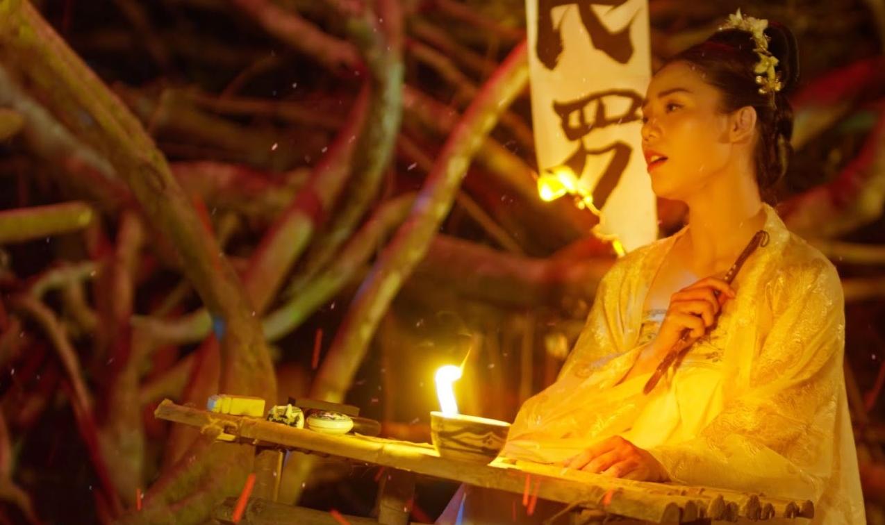 """Hương Ly gây sốt với chuyện tình """"ngược tâm"""" trong MV cổ trang đầu tay - Ảnh 5."""